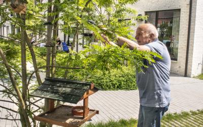 Ontmoet Gilbert, onze vogelliefhebber uit Residentie De Orangerie